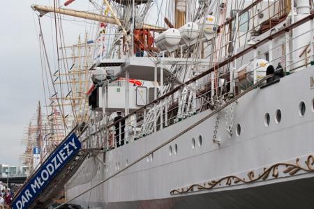 Sail Amsterdam 2010 - Pools Tall Ship Dar Mlodziezy